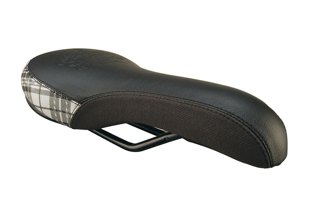 saddle-shoe-spank-friend